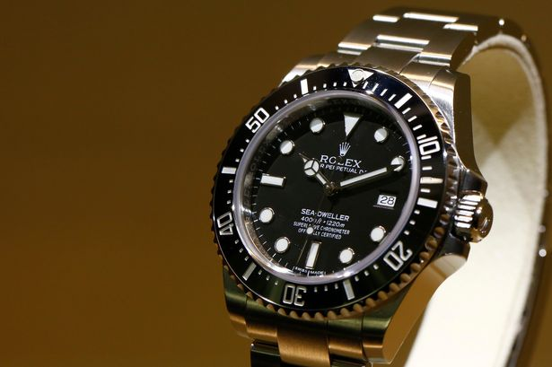 Luxury Replica Watches – Steel Case Rolex Sea Dweller Replica Watch